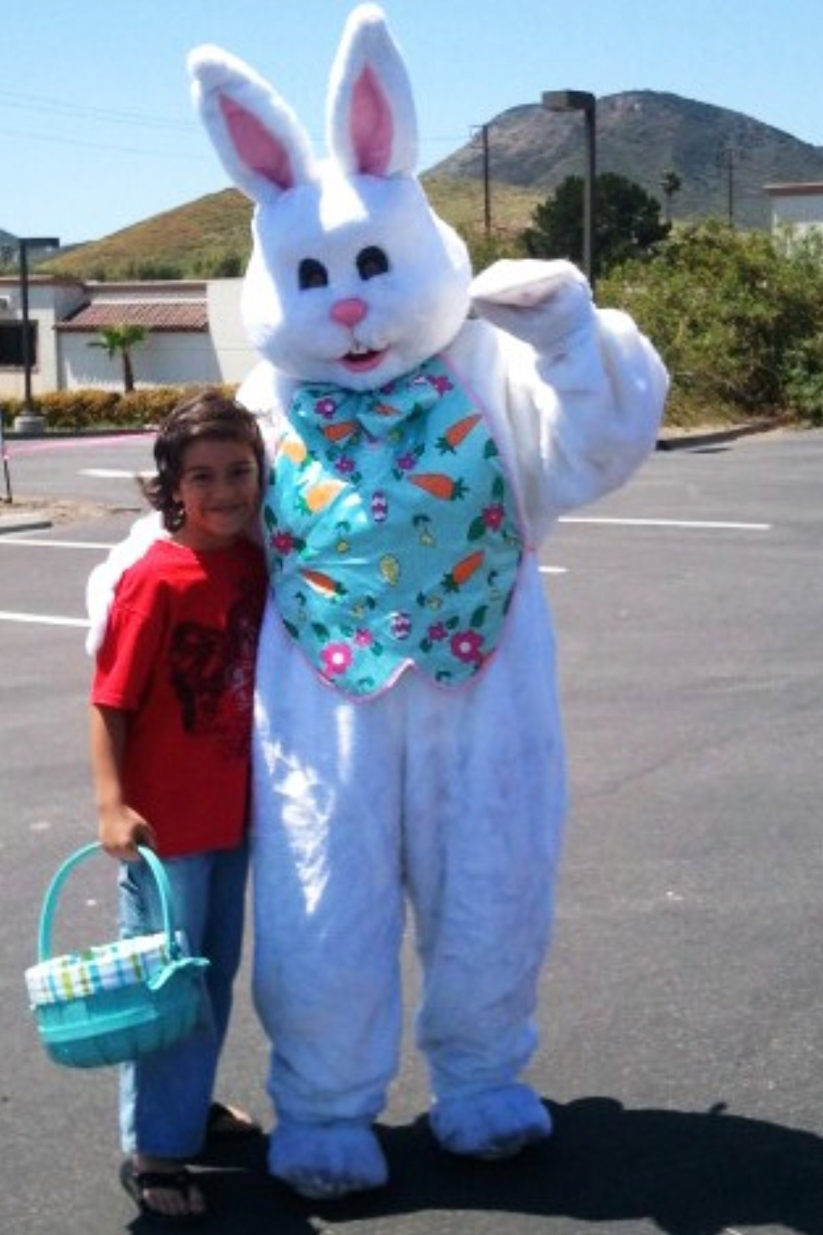 easter-bunny-with-lucas-4-23-1110-24-2011