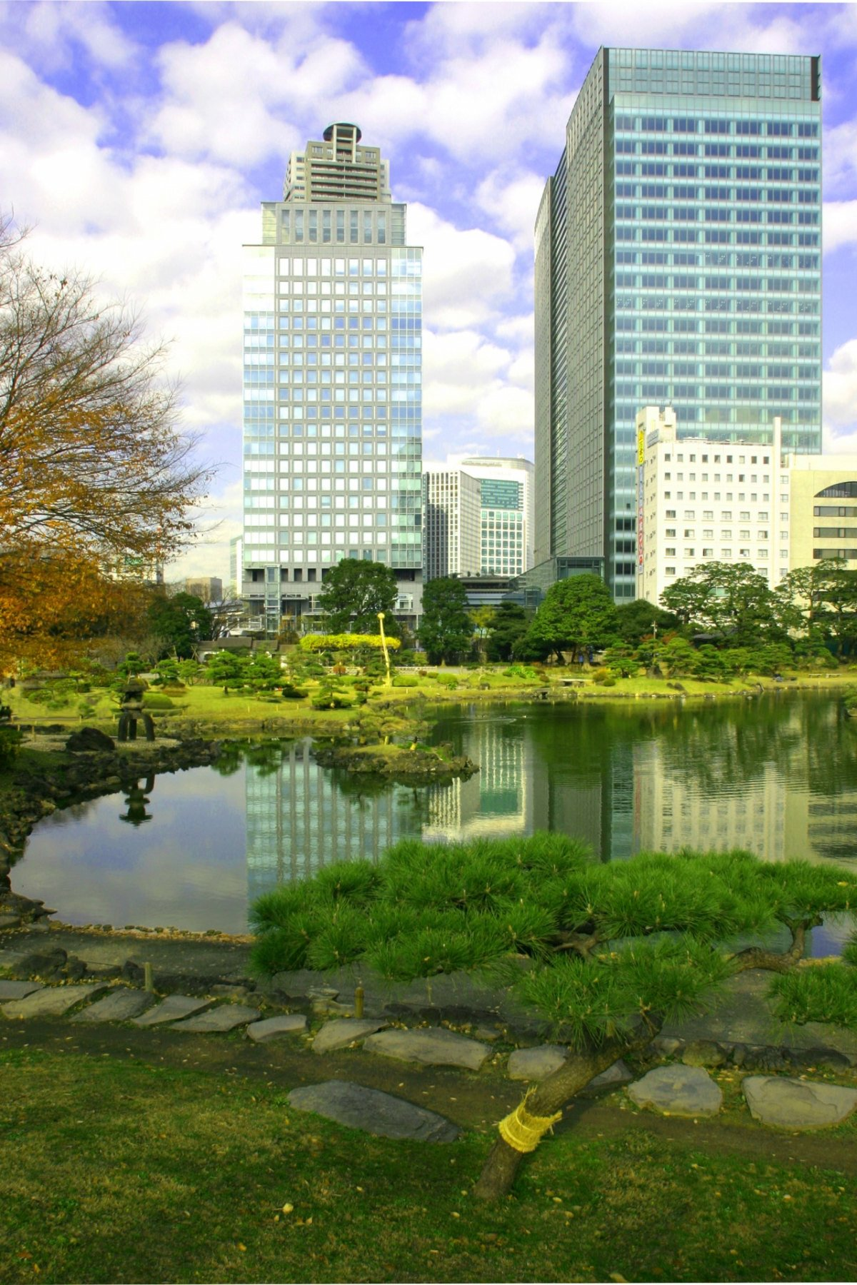 agel-building-tokyo10-23-2011