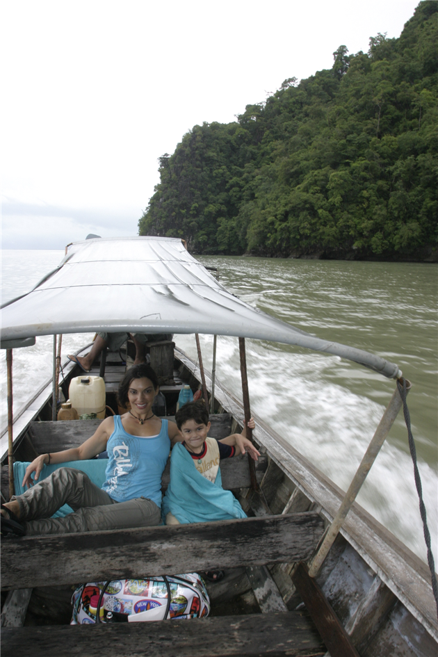 boat_ride_to_james_bond_is-_thailand_cat_and_ld_2007