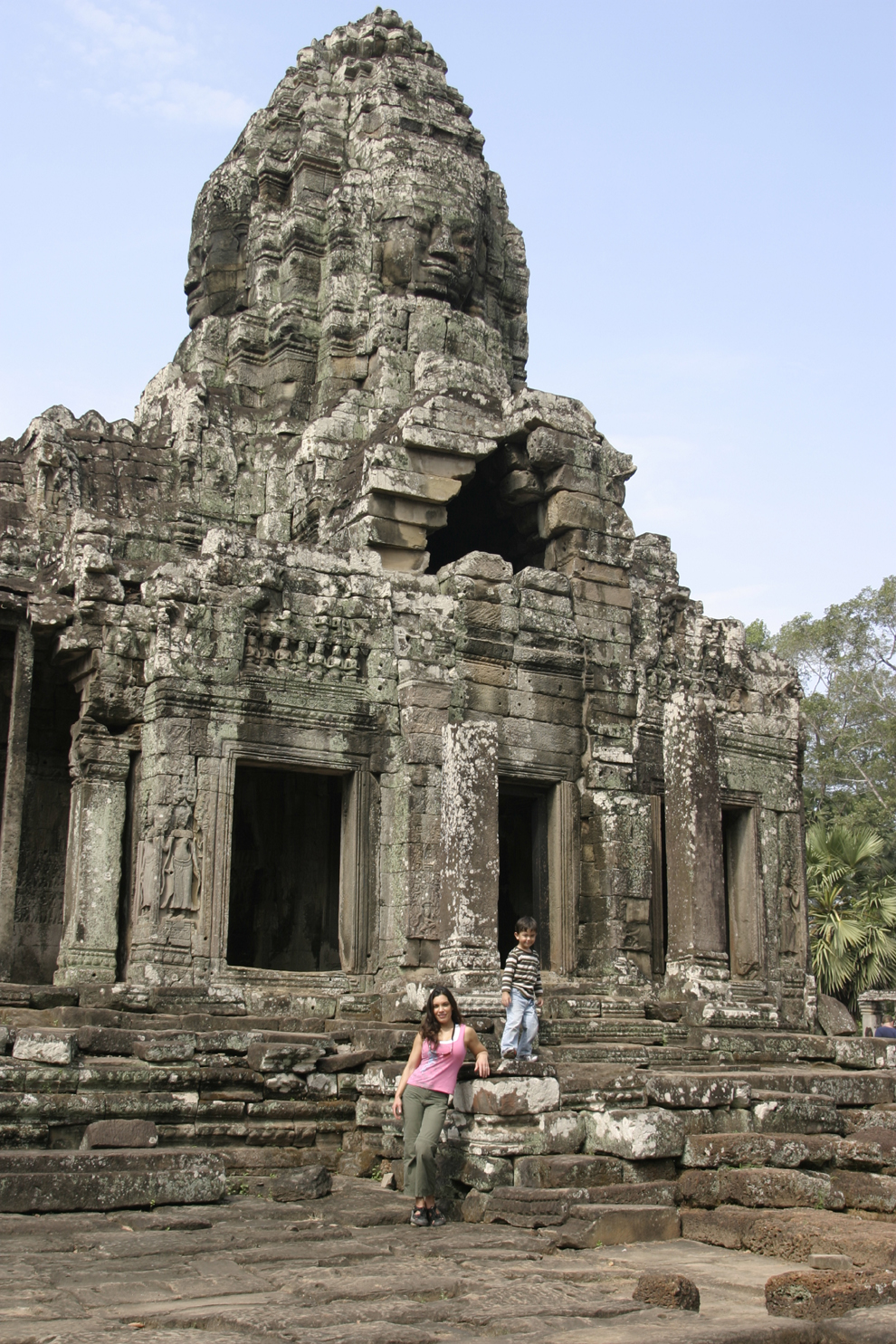 resized-cambodia-ld-cat-temple