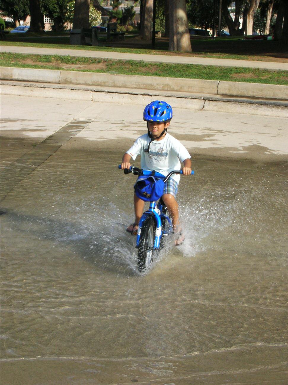 splashing-thru-water-in-brentwood