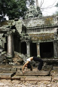 Siem_Reap_Cambodia_Cat_Sanson_Arch_at_Ta_Prohm_Temple_Feb_2008